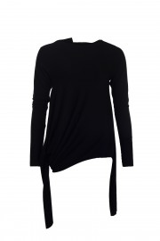 Variable black top with four sleeves