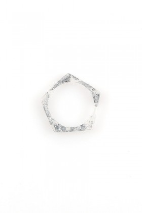 Ring with silver flakes