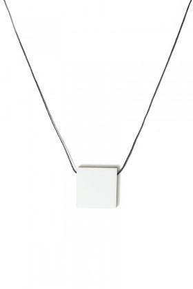 White necklace square