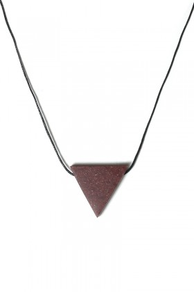 Bordeaux necklace triangle