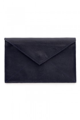 Dark blue magnet clutch