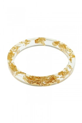 Bracelet with gold flakes