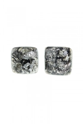 Square earrings with silver flakes