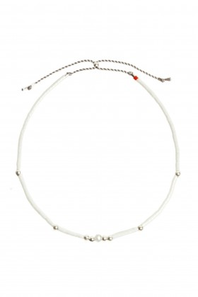 White bracelet with labradorit and silver beads