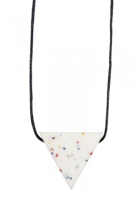 White necklace triangle