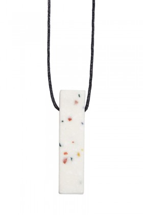White necklace rectangle